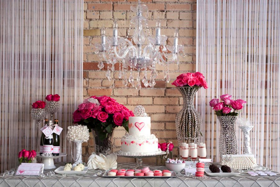 Valentine's dessert table