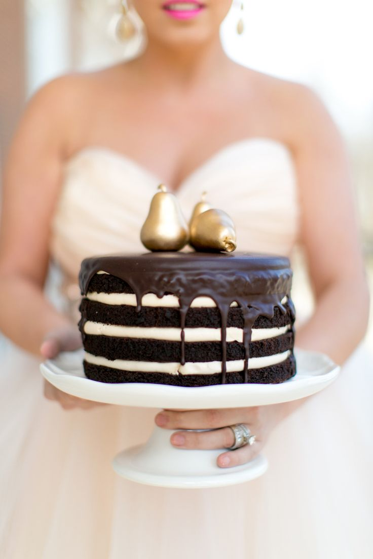 Naked pear cake