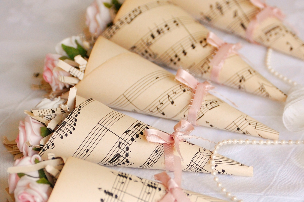 10 wedding ideas for music lovers socialandpersonalweddings music flower cones junglespirit Image collections