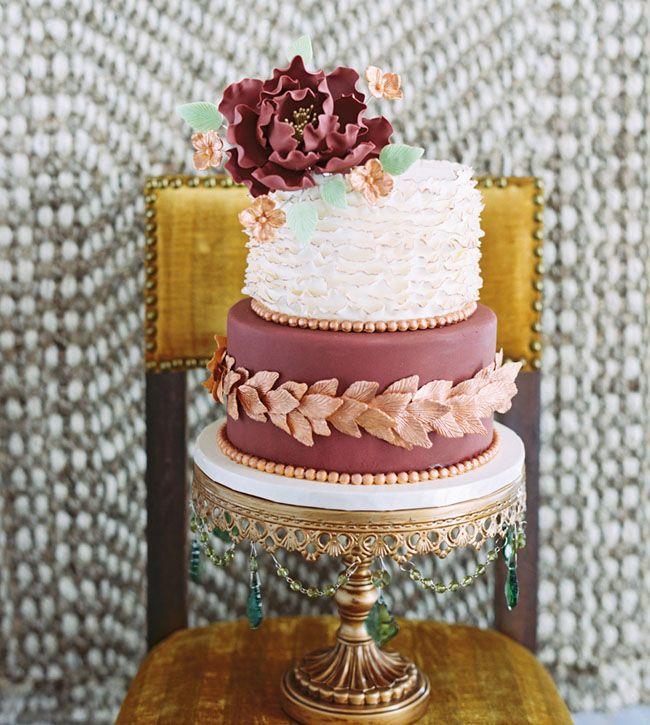 Marsala & gold cake
