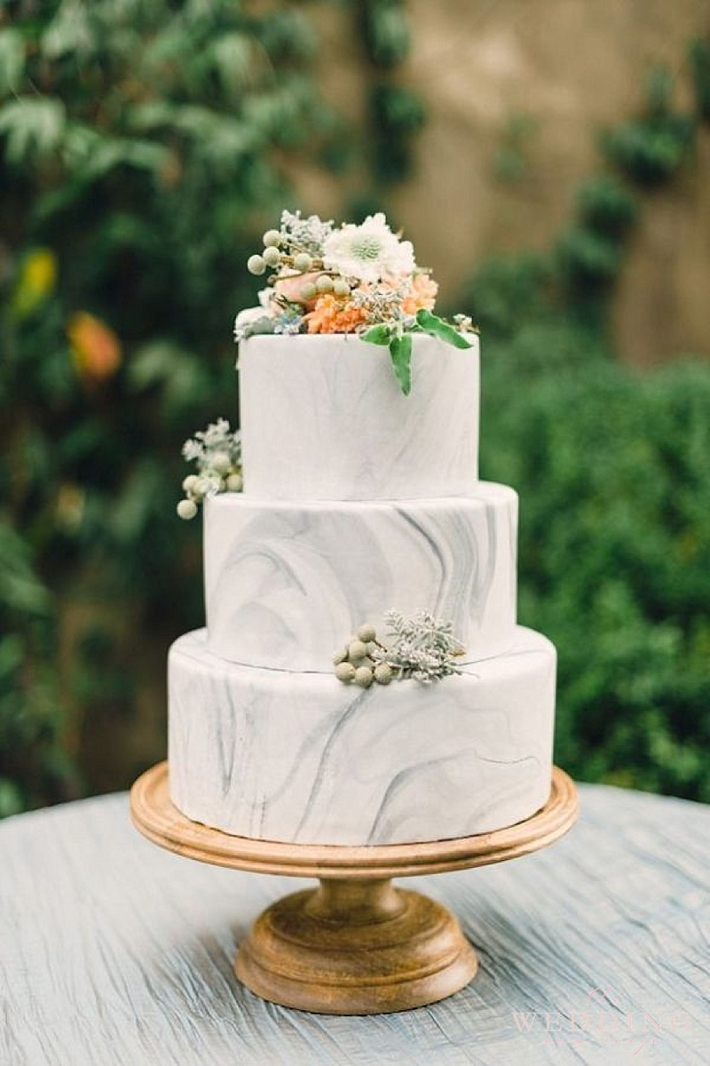 Trend Alert Rock Inspired Cakes Socialandpersonalweddings Ie