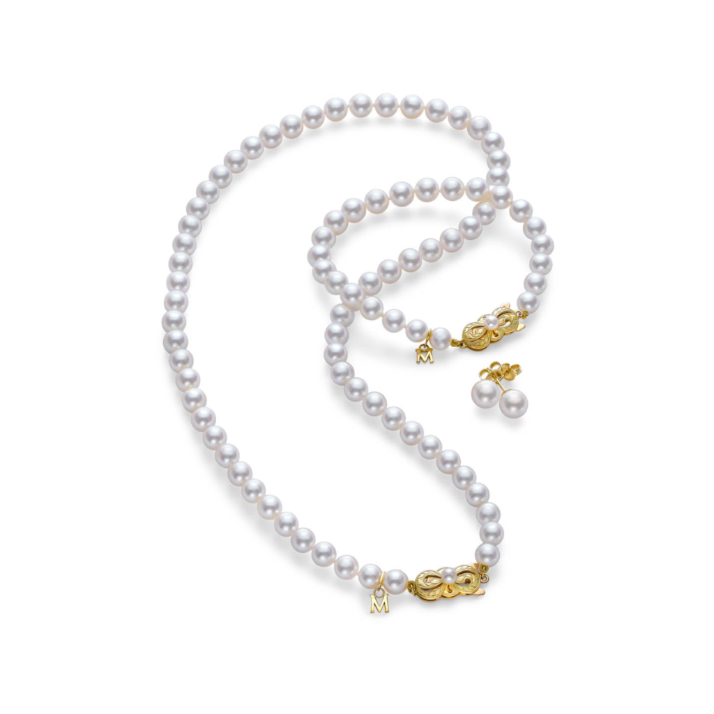 Mikimoto Ayoka Pearl necklace, bracelet and earrings set, €3,935